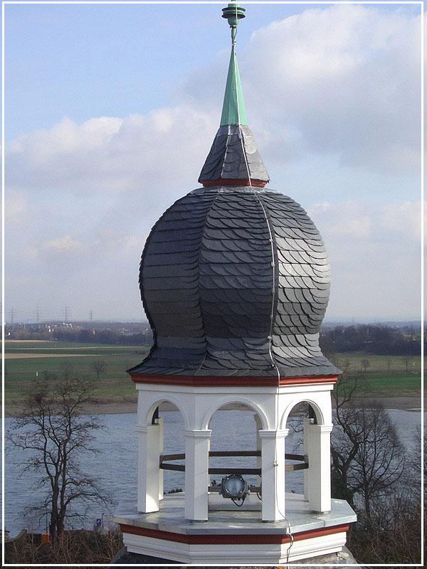 Steildach - Arnold Stöffges GmbH | Dachdecker Meisterbetrieb in Krefeld am Niederrhein - Dächer, Fassaden, Abdichtungen & Reparaturen am Dach seit 1900